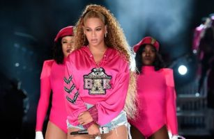 beyonce-knowles-performs-onstage-during-the-2018-coachella-news-photo-949829974-1555462308